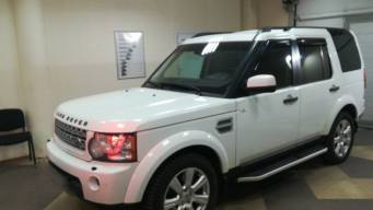 Land Rover Discovery IV 3.0d AT (249 л.с.) 4WD [2013]
